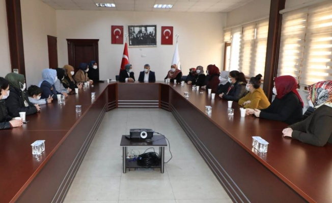 Başkan Şayir, AK Kadınları ağırladı