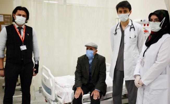 Bitlis Tatvan'da yüzde 90 tıkalı damarı açtı!