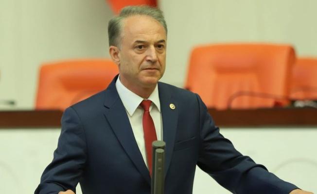 """CHP'li Özkan: """"Sağlık Bakanı kongrelere dur demeliydi!"""""""