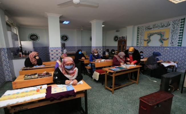 Denizli Pamukkale'de kursiyerler kurslara kavuştu