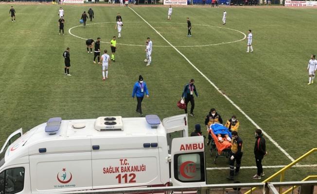 Tekirdağ'da sahada fenalaşan futbolcu hastaneye kaldırıldı