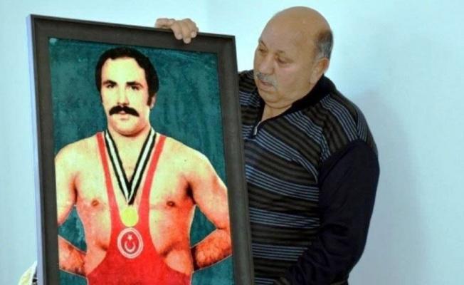 Milli Güreşçi Karabacak'a memleketinde vefa