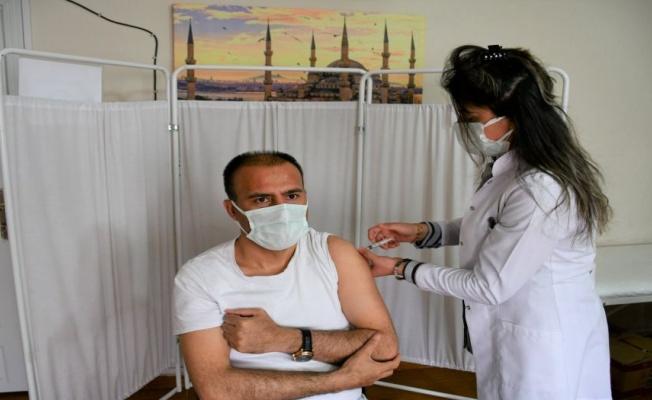 Siirt'te 825 öğretmen aşı programına alındı