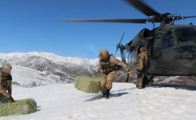 Askeri helikopter bu kez yaban hayvanları için havalandı