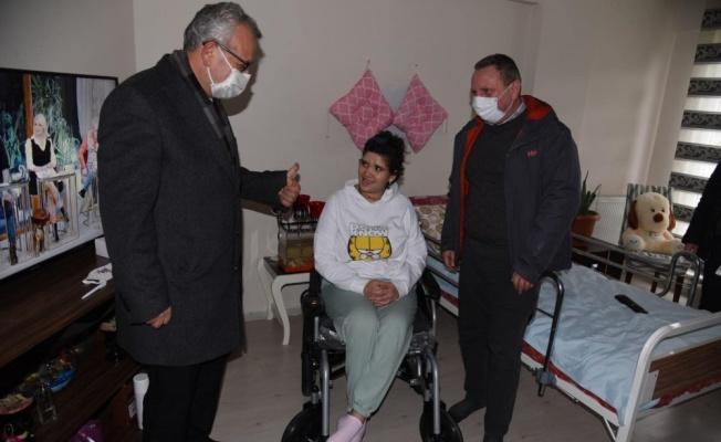 Engelli genç kızın akülü tekerlekli sandalye hayalini Almanya'da yaşayan gurbetçi gerçekleştirdi