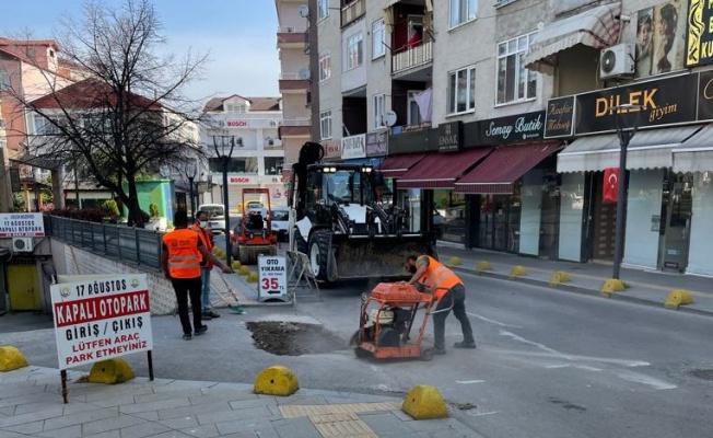 Gölcük Belediyesi ekipleri sokağa çıkma kısıtlamasında sahadaydı