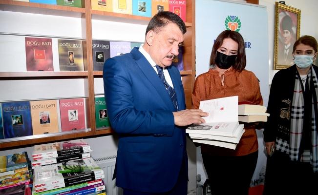 Malatya'da 'Bir Kitap da Sen Bağışla' kampanyası