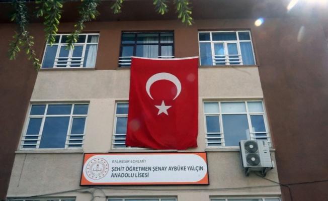 Şehit Öğretmen Şenay Aybüke Yalçın Anadolu Lisesinin isminin değiştirilmesini isteyen dernekten açıklama