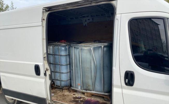 Tekirdağ'da bir minibüste 3 ton kaçak akaryakıt ele geçirildi