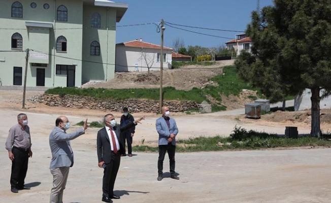 Kırklareli Valisi Bilgin, yeni yapılan köy camisinde incelemede bulundu