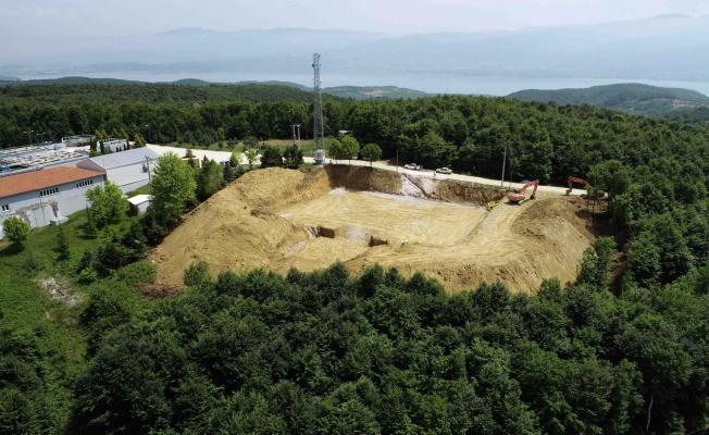 5 bin metreküplük depo inşaatı sürüyor