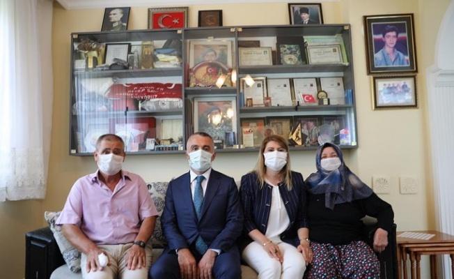 Kırklareli Valisi Bilgin şehit ailelerini ziyaret etti