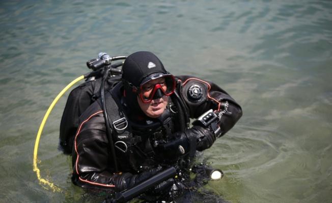 Su altı belgesel yapımcısı Ceylan müsilajın deniz dibinde neden olduğu tahribatı görüntüledi: