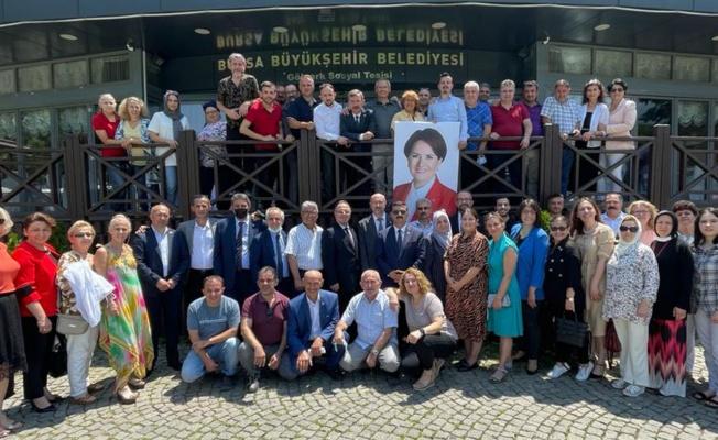 Bursa Osmangazi'de İYİ Parti'den 'Parlamenter Sistem' bilgilendirmesi