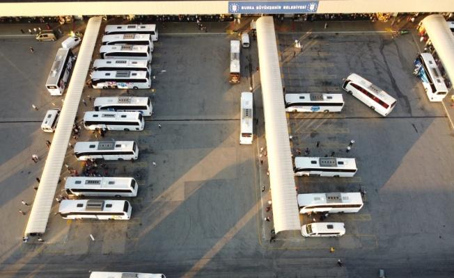 Bursa Şehirlerarası Otobüs Terminali'nde bayram öncesi yoğunluk yaşanıyor