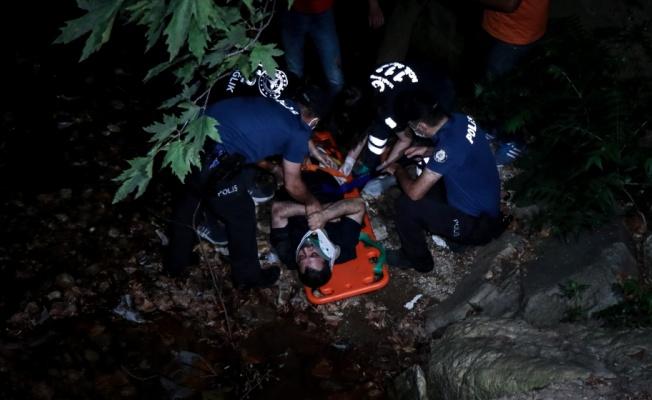 Bursa'da dereye düşerek yaralanan kişiyi ekipler tarafından kurtarıldı
