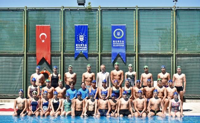 Bursa'da havuzlar spor okuluyla şenlendi