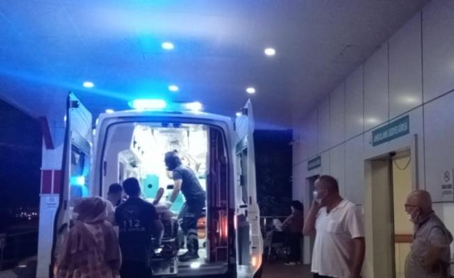 Kocaeli'de komşular arasında bıçaklı kavga: 2 yaralı