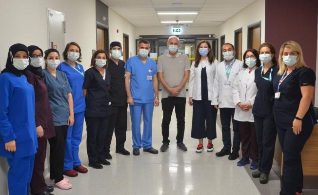 COVID-19'la gelişen akciğer yetmezliğinden ECMO tedavisiyle kurtuldu