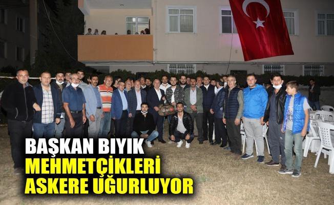 Başkan Bıyık, Mehmetçikleri askere uğurluyor