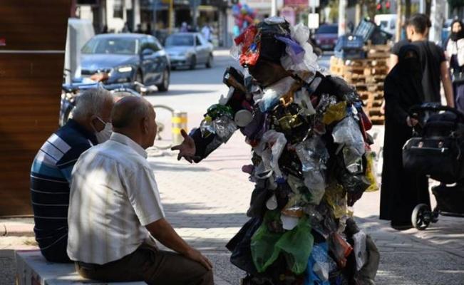 Bursa İnegöl'de çöpler dile geldi