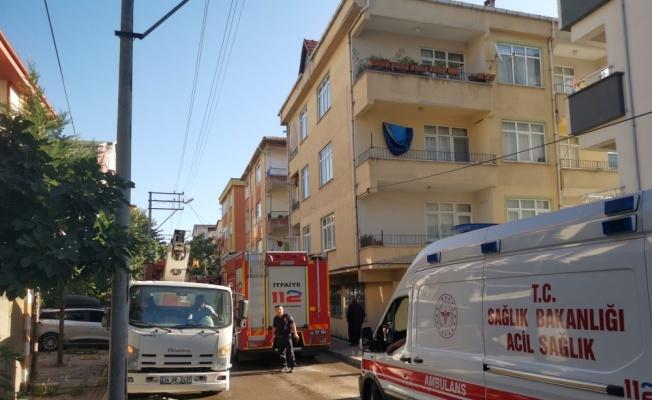 Çayırova'da apartman dairesinde çıkan yangın hasara neden oldu