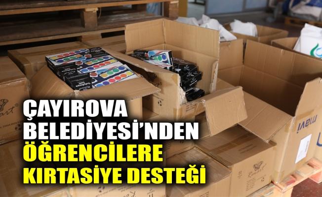 Çayırova'da öğrencilere kırtasiye desteği