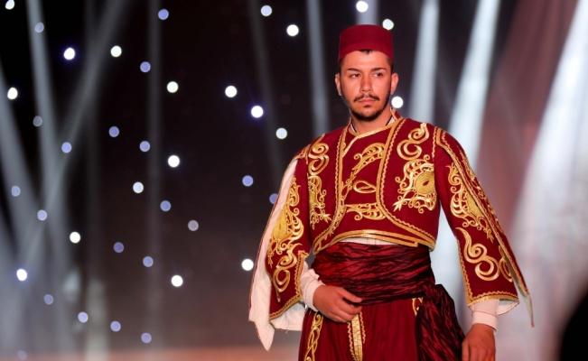 Edirne'de Balkan ve Rumeli kıyafetlerinden oluşan defile ilgi gördü
