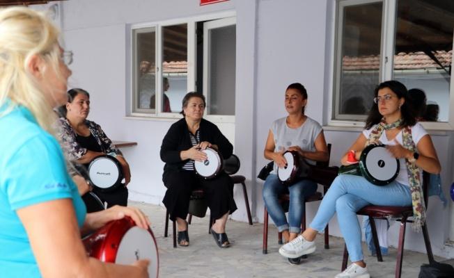 Edirne'de ev kadınlarının kurduğu ritim grubu Trakya şarkılarını dünyaya tanıtmak istiyor