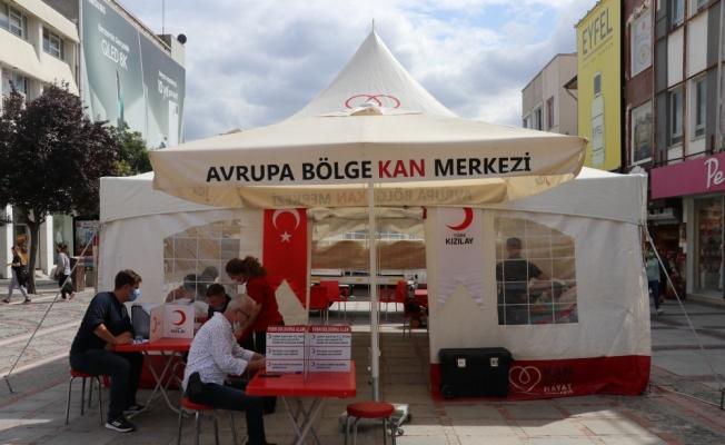 Edirne'de Türk Kızılay tarafından kan bağışı kampanyası düzenlendi
