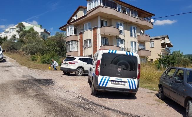Kocaeli'de tartıştığı eski ev sahibinin silahlı saldırısına uğrayan kişi ağır yaralandı