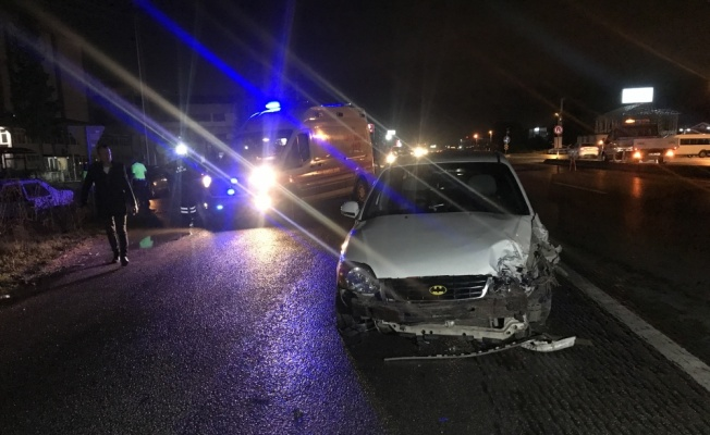 Sakarya'da otomobil ile cip çarpıştı: 6 yaralı