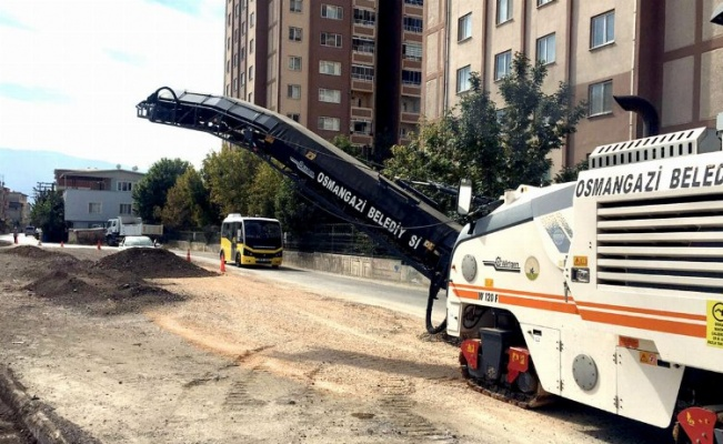 Bursa Osmangazi'de asfalt çalışması
