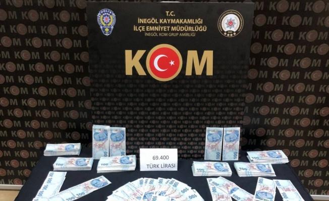 Bursa'da sahte parayla yakalanan 3 şüpheliden 1'i tutuklandı