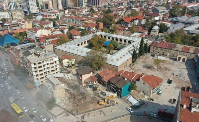 Bursa'daki Tarihi Çarşı ve Hanlar Bölgesi'nde düzenleme çalışmaları devam ediyor