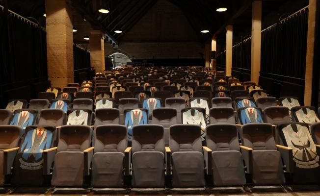 Edirne Devlet Tiyatrosu perdelerini