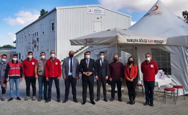 İl Göç İdaresi personeli, Türk Kızılay'a kan bağışında bulundu