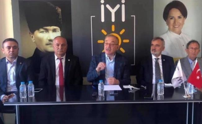 İYİ Parti Edirne'den üye atılımı
