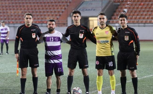 İzmit Başkanlık Kupası'nda yarı finalistler belli oldu