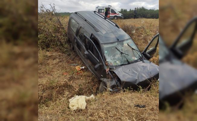 Keşan'da şarampole devrilen otomobildeki kişi yaralandı