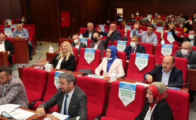 Kocaeli İzmit'te Başkan'ın yurt talebine muhalefet 'hayır' dedi