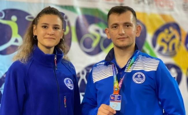 Kocaelili karatecilere Türkiye Şampiyonasında altın madalya