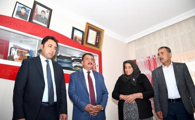 Malatya Büyükşehir Belediye Başkanı Gürkan, vatandaşlarla bir araya geldi