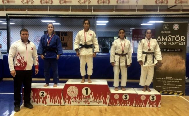 Manisalı Judocular madalyaların sahibi oldu