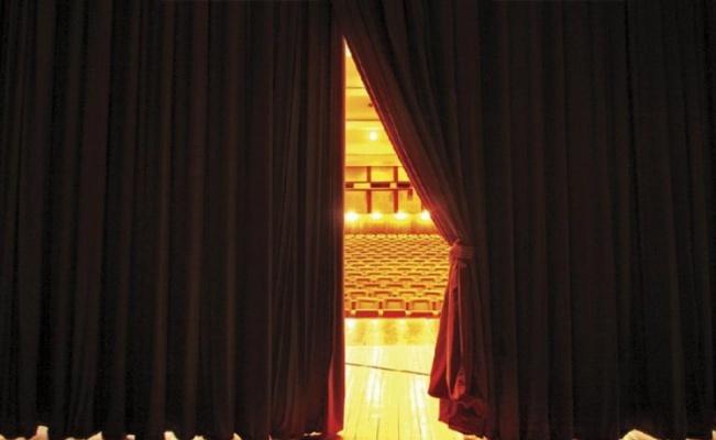 Özel tiyatrolara 'rekor' destek