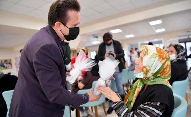 Tuzla Belediyesi Dünya Yaşlılar Günü vesilesiyle etkinlik düzenledi