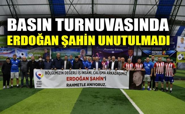 Vefa afişlerinde bu hafta Erdoğan Şahin vardı