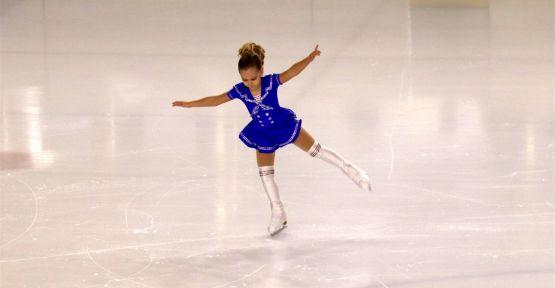Artistik Buz Pateni Ümitler Şampiyonası Kocaeli'de başladı