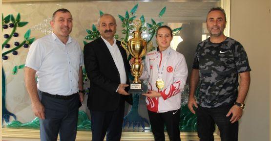Başkan Büyükgöz, Avrupa şampiyonunu ağırladı
