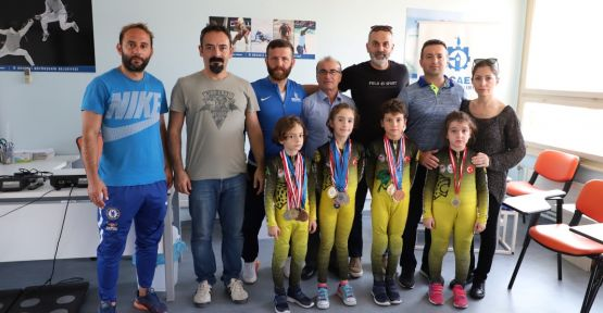 Buz sporlarında 3 yılda 24 madalya